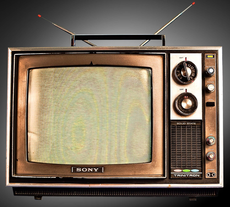 Gray And Black Vintage Radio Tv Vintage Sony 720p Wallpaper Hdwallpaper Desktop In 2020 Vintage Radio Tv Vintage
