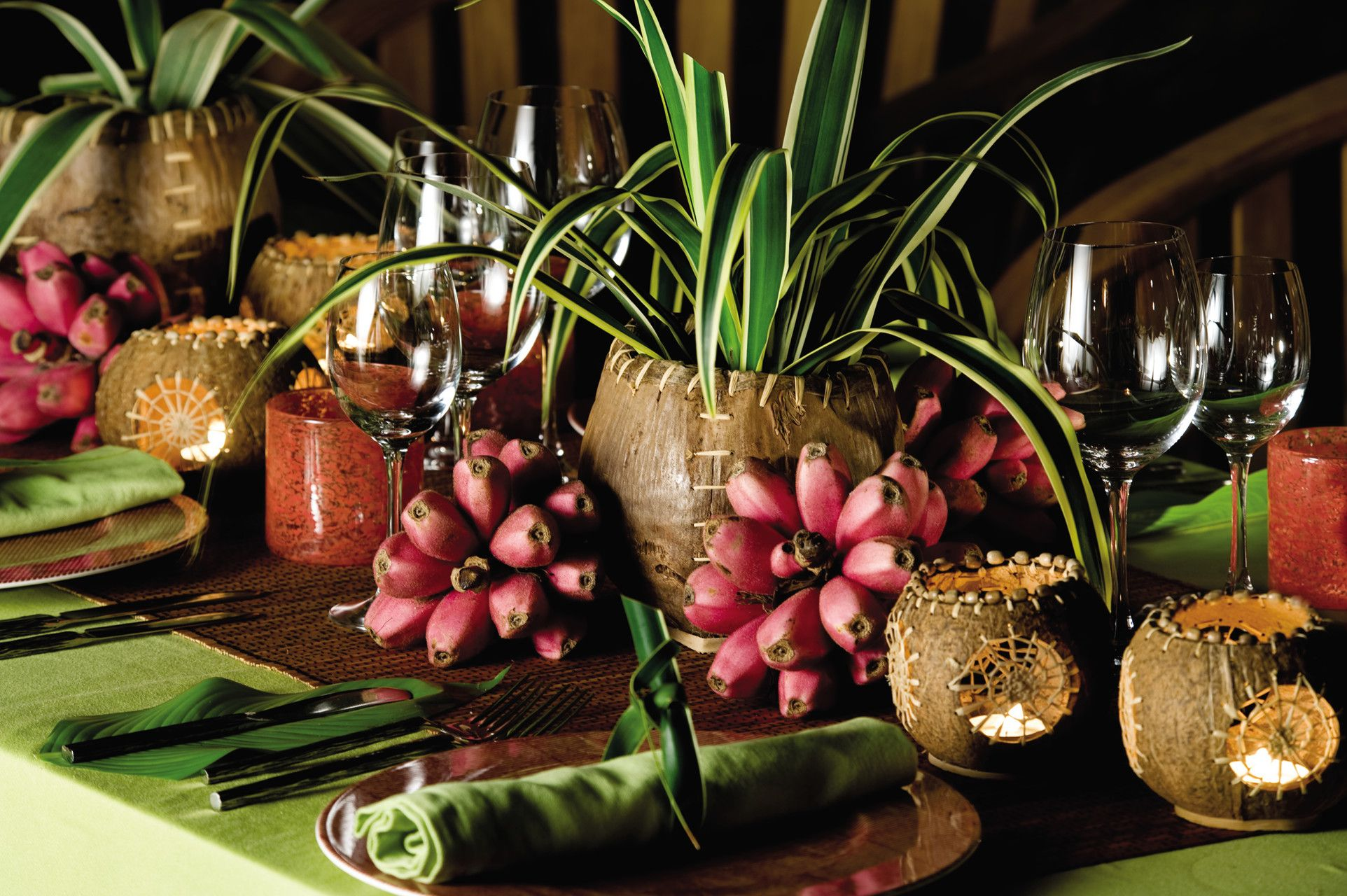 natural table decoration for a wedding or event at foumba (creole