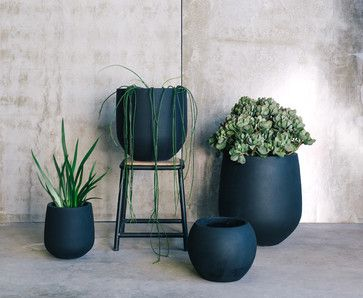 Willow Range Modern Outdoor Pots And Planters