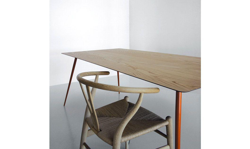 Tavolo con piano in legno sp05 tavoli spillo for Fabbrica tavoli in legno