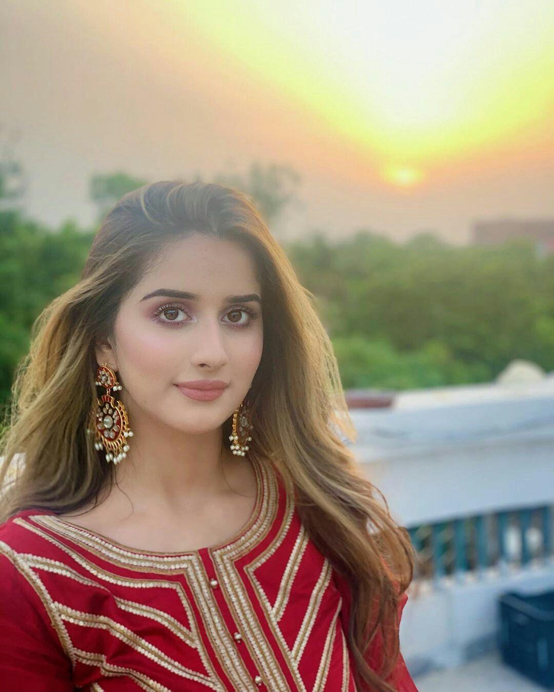Pin by Maya khaani on Pakistani actors   Pakistani girl