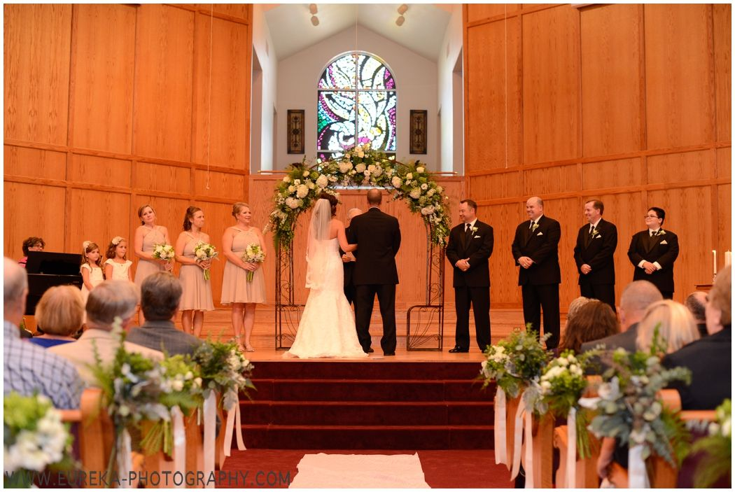 Austin Street Baptist Church Wedding Ceremony In Yoakum Tx Wedding Church Aisle Church Wedding Ceremony Wedding