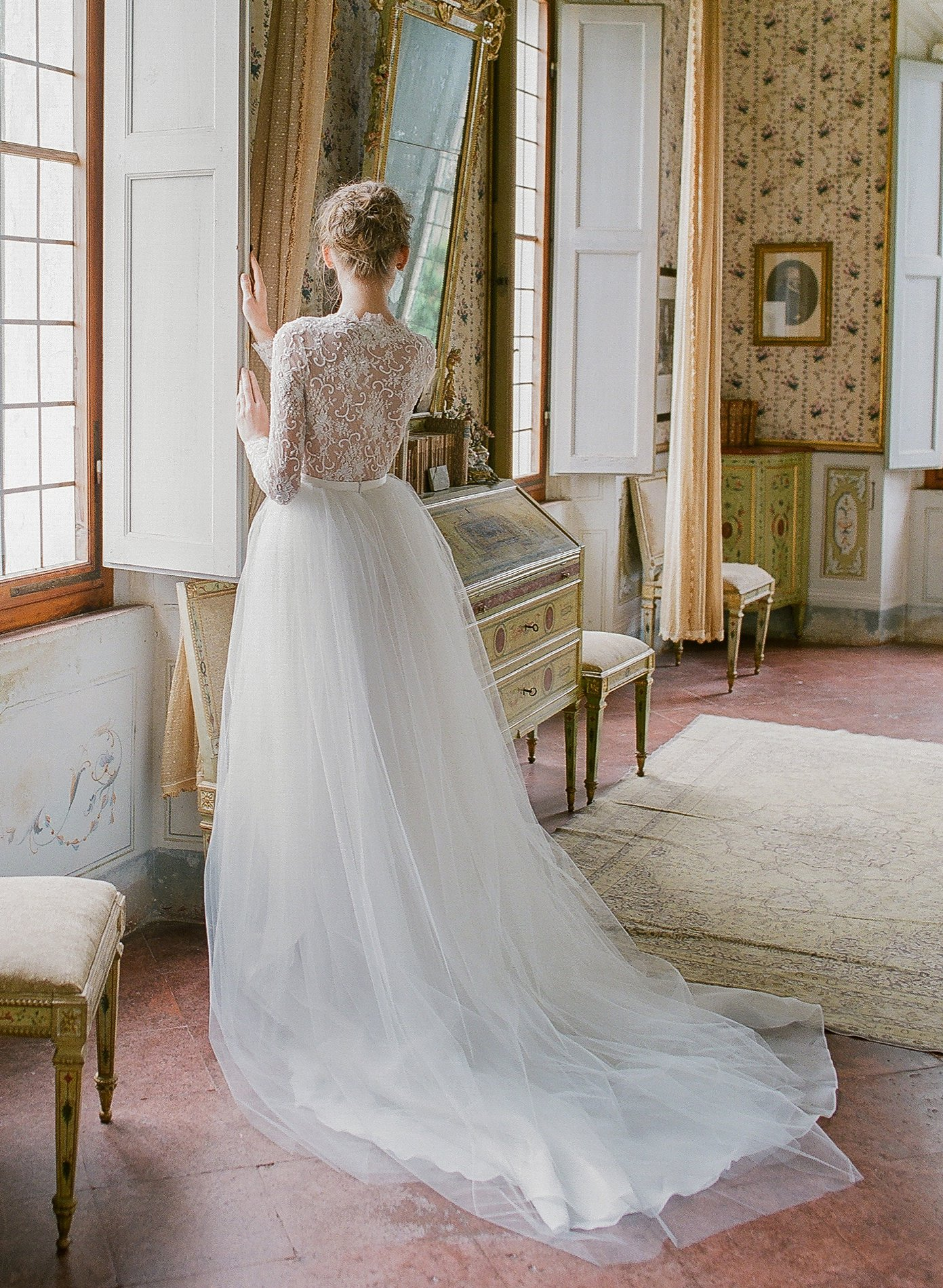 Carrara In 2020 Beaded Wedding Gowns Couture Wedding Gowns