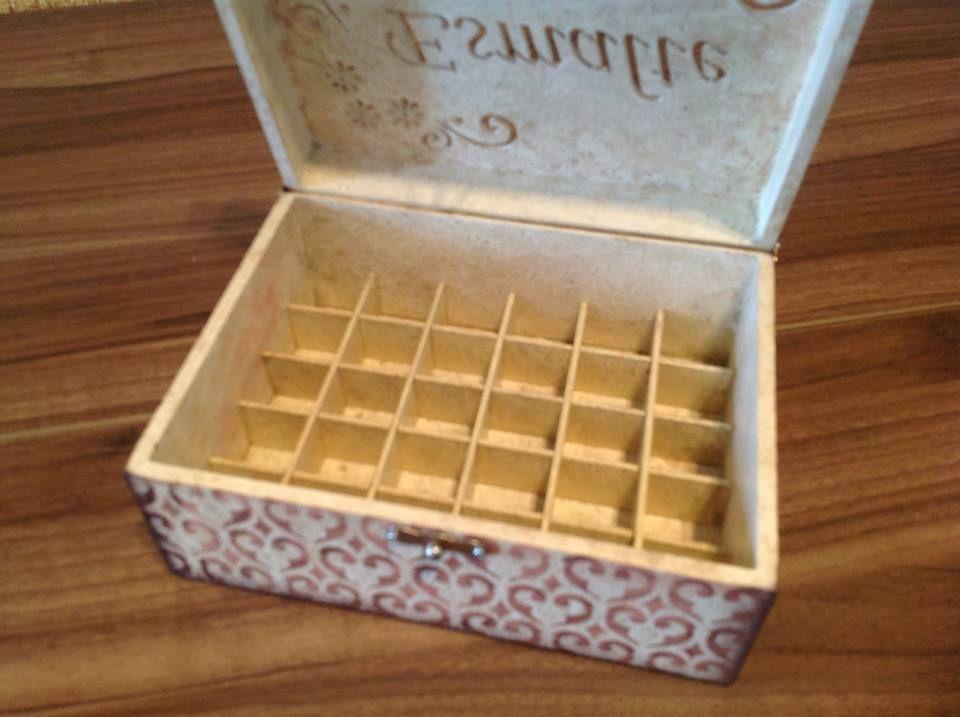 caixa de esmaltes em mdf. www.ideiasartesanato.com.br