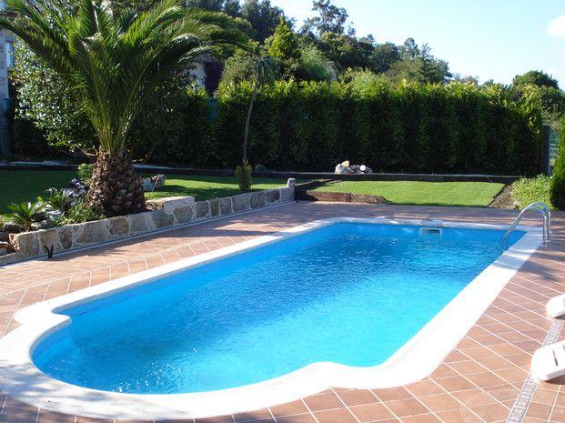 Piscina de fibra romana piscinas piscinas poliester for Fotos casas de campo con piscina