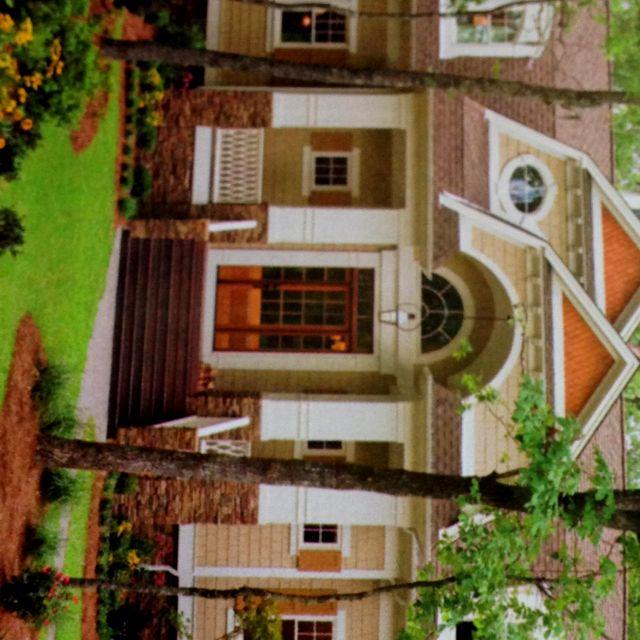 Cute little North Carolina house =]