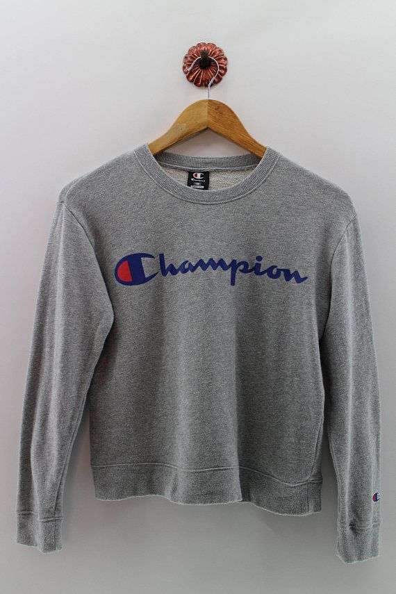 32921de1962 CHAMPION Sweatshirt Crewneck Sweater Women Medium Champion Crop Top Pullover  Champion Spell Out Big