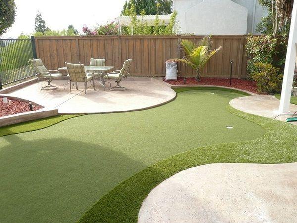 Backyard mini golf course   Backyard, Golf courses ...