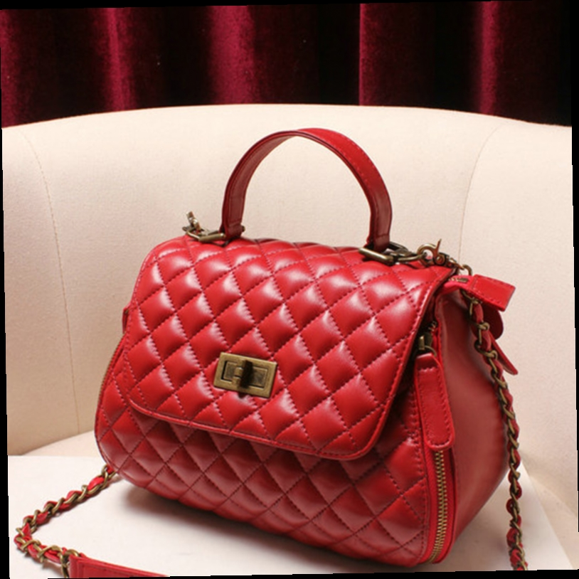 52.96$  Buy now - http://aliuwy.worldwells.pw/go.php?t=32777762112 - Lamb Skin Quilted Handbags Wome Genuine Leather Pillow Bag Female Chain Crossbody Bags With Lock Famous Brand Sheepskin Purses 52.96$