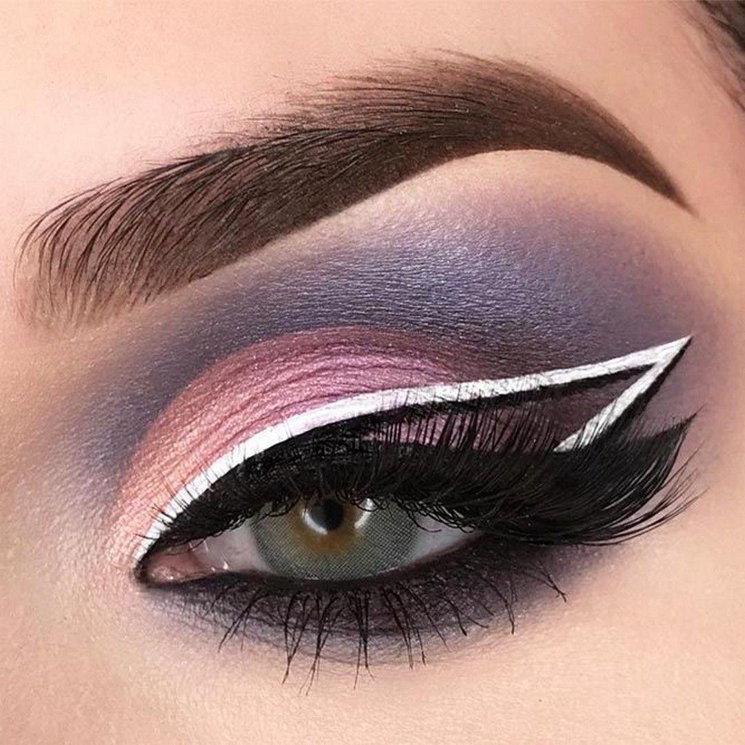 Angel Wings Eyeliner Style - Femeline