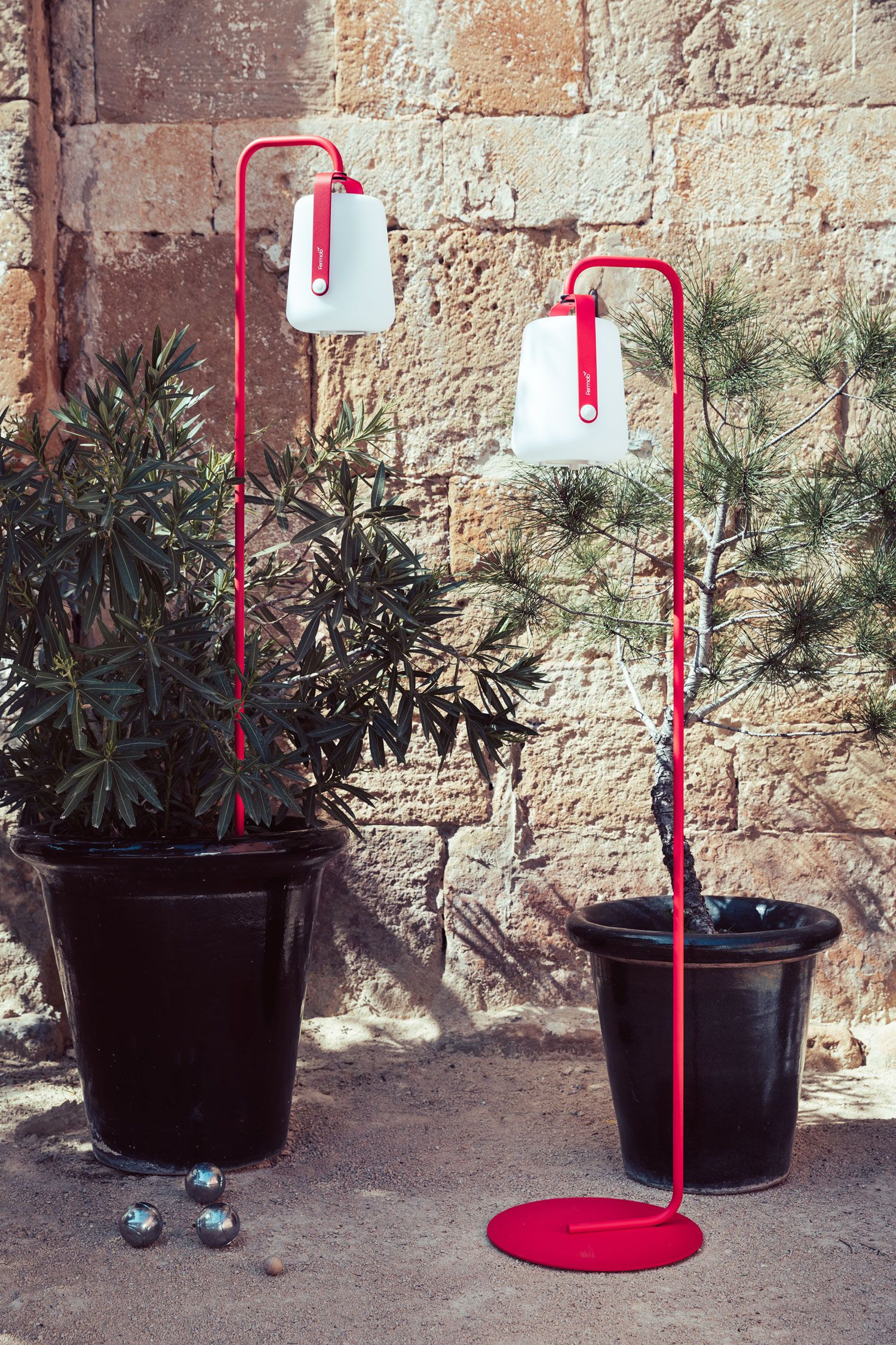 Einfacher Fuss Balad Fuss Fur Balad Lampe In 2020 Colorful Garden Lamp Fermob
