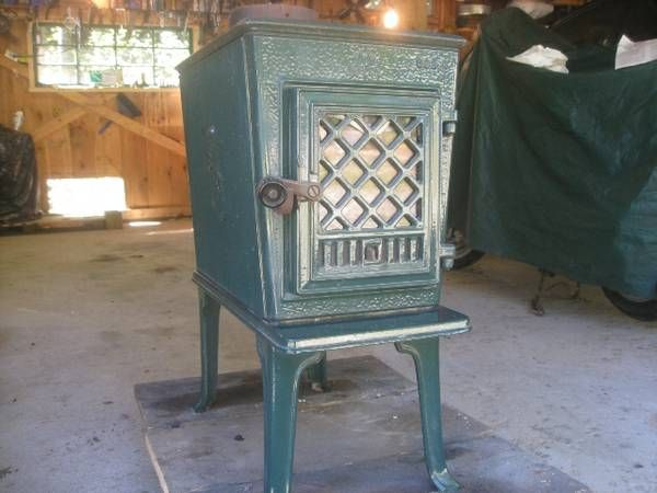 Jotul wood stove. model 602 CB it's a newer version of 602 - Jotul Wood Stove. Model 602 CB It's A Newer Version Of 602 Den