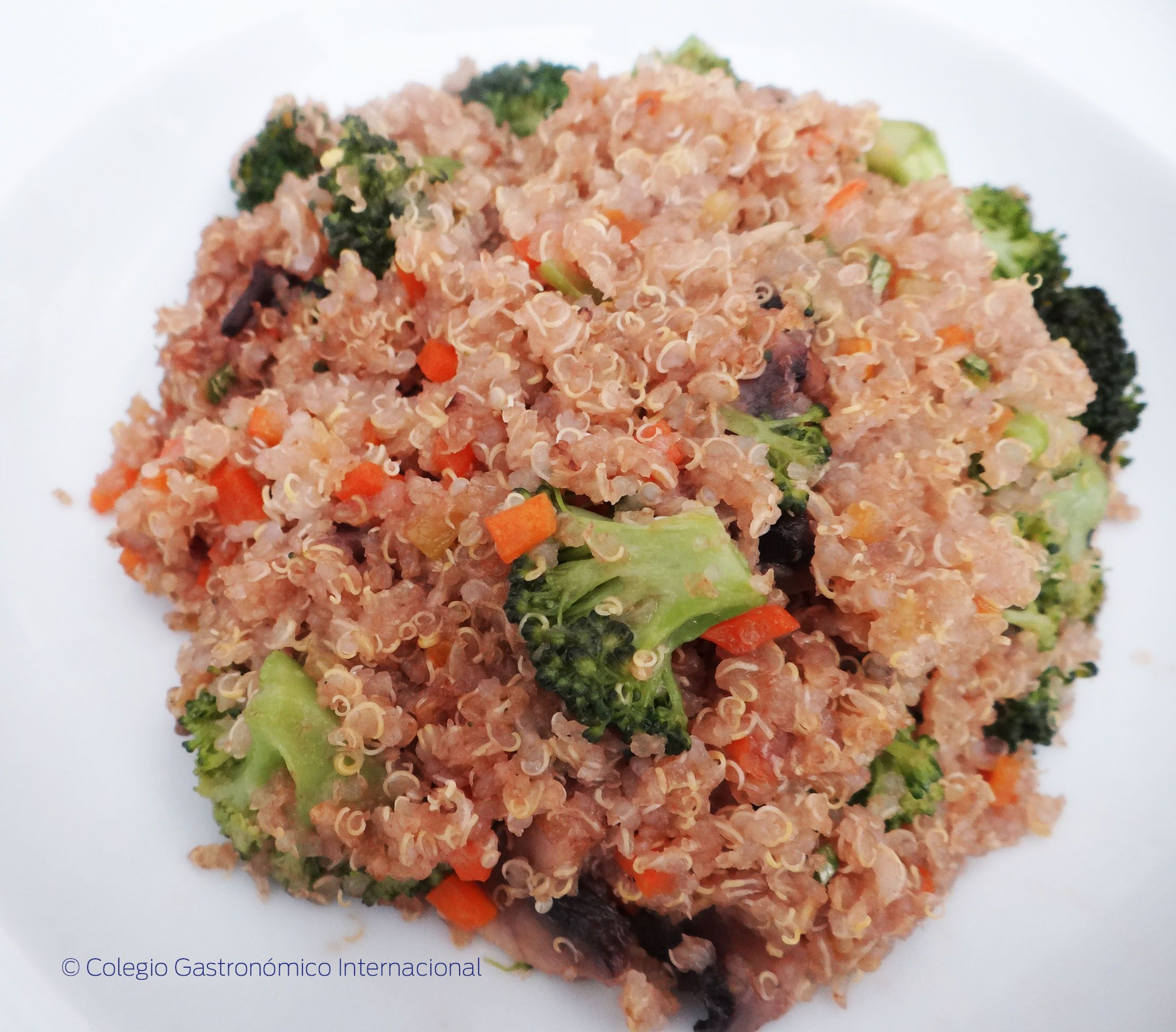 YAKIMESHI QUINOA  COCINA VEGETARIANA CGI  Cocina vegetariana Yakimeshi y Comida