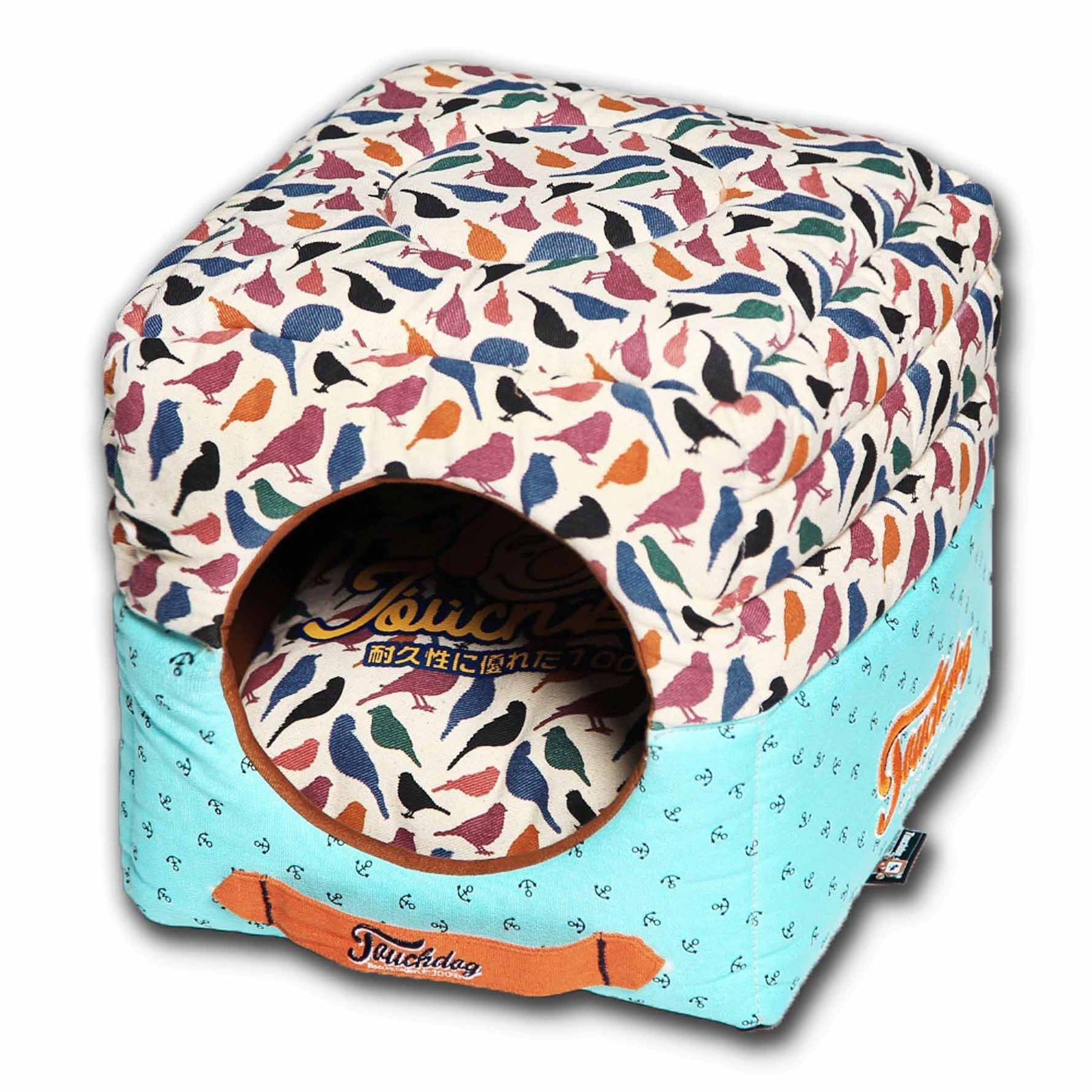 Pet Life Touchdog Bird Convertible Dog Bed, White Dog