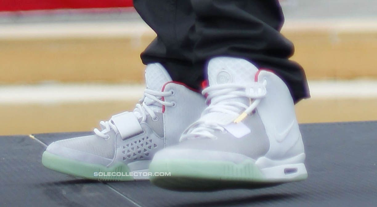 Nike Air Yeezy 2 Wolf Grey Pure Platinum  cd35ab6980
