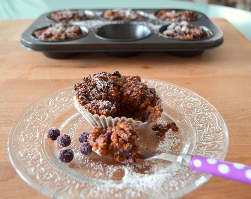 Brownie-Muffins mit Heidelbeeren und Süßkartoffeln – Glutenfrei und vegan