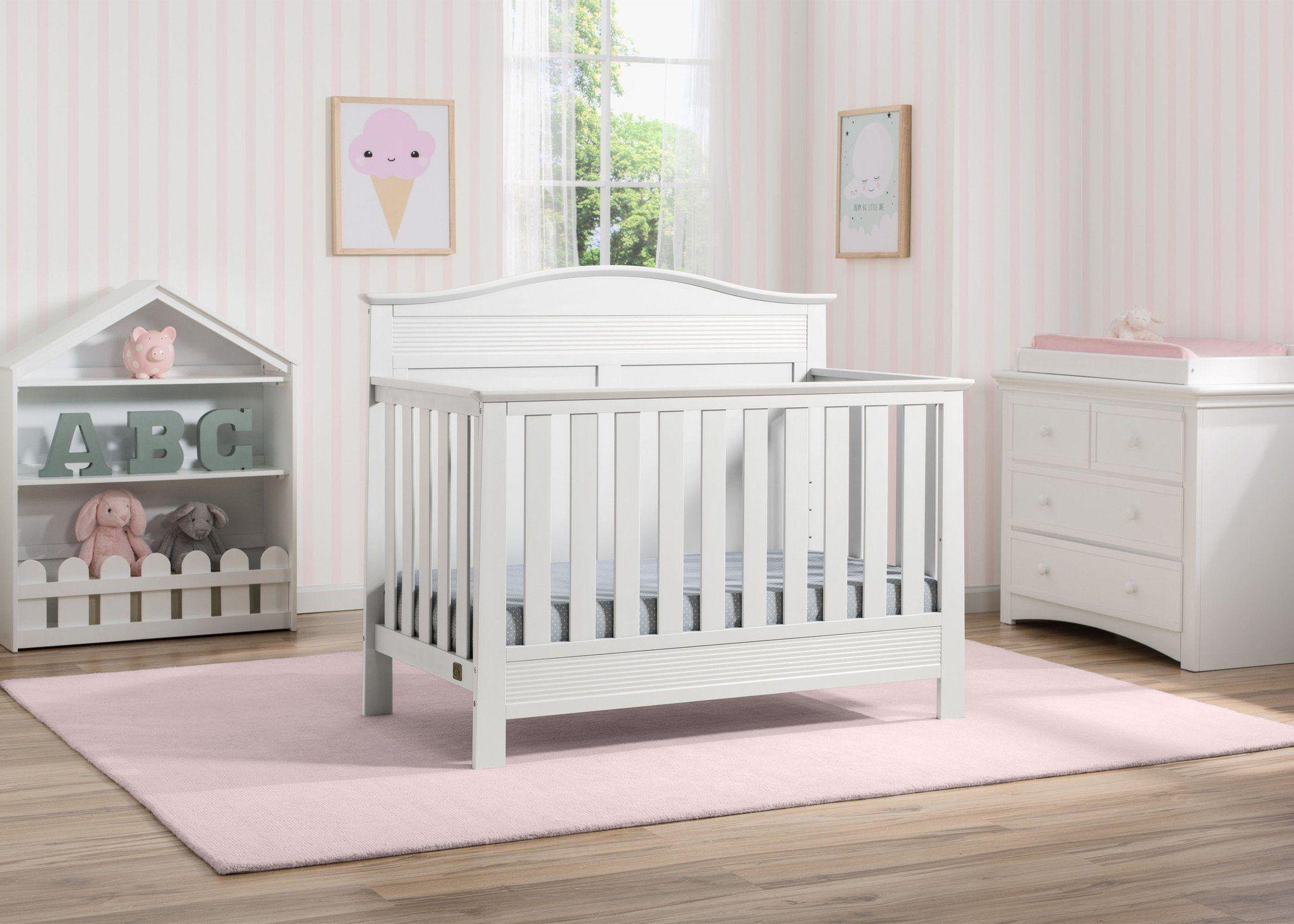 Arlo in Bianca 6Piece Nursery Set Convertible crib