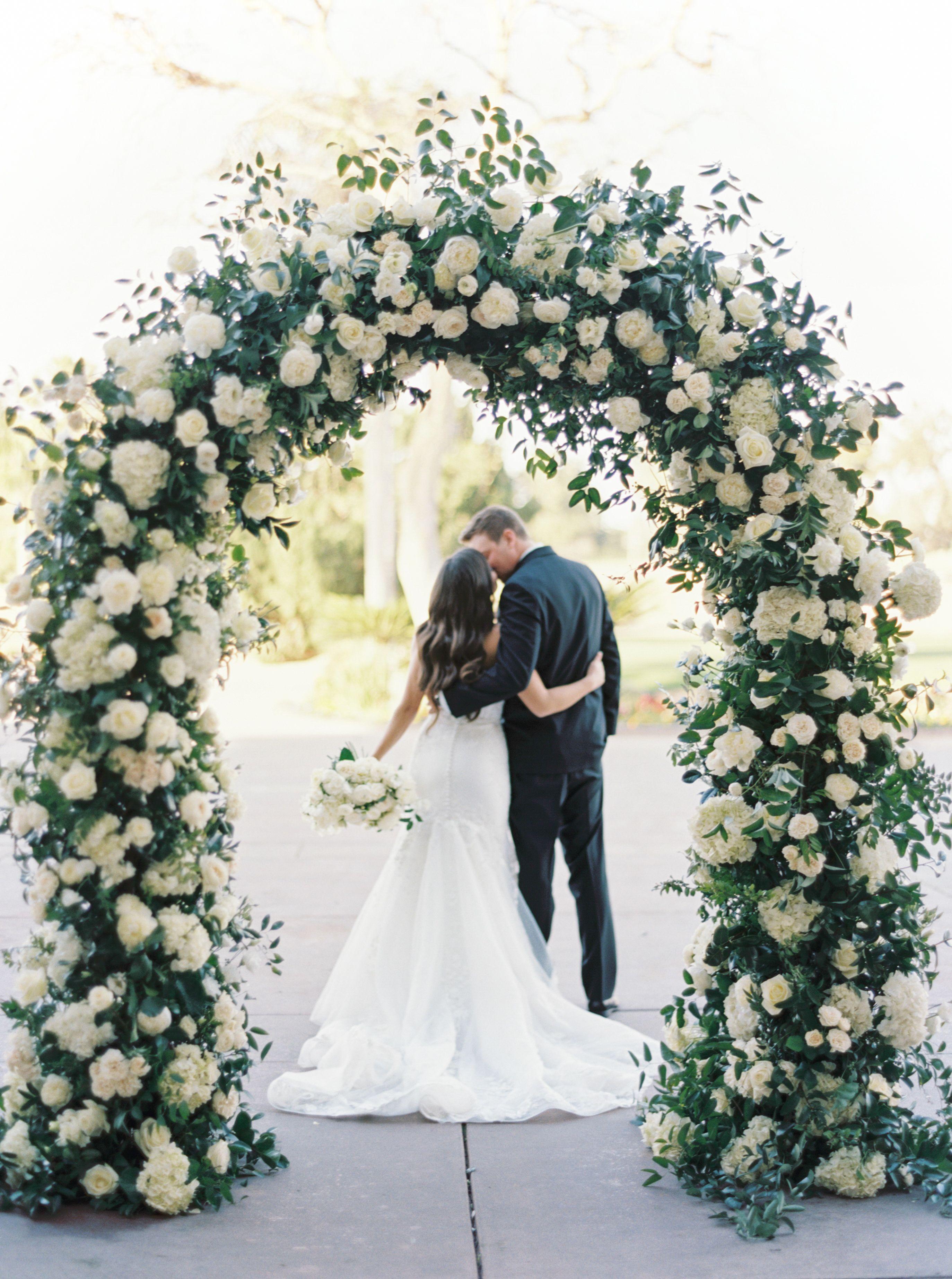Wedding Ceremony White Rose Arbor In 2020 Wedding Arch Flowers White Roses Wedding Wedding Flower Archway