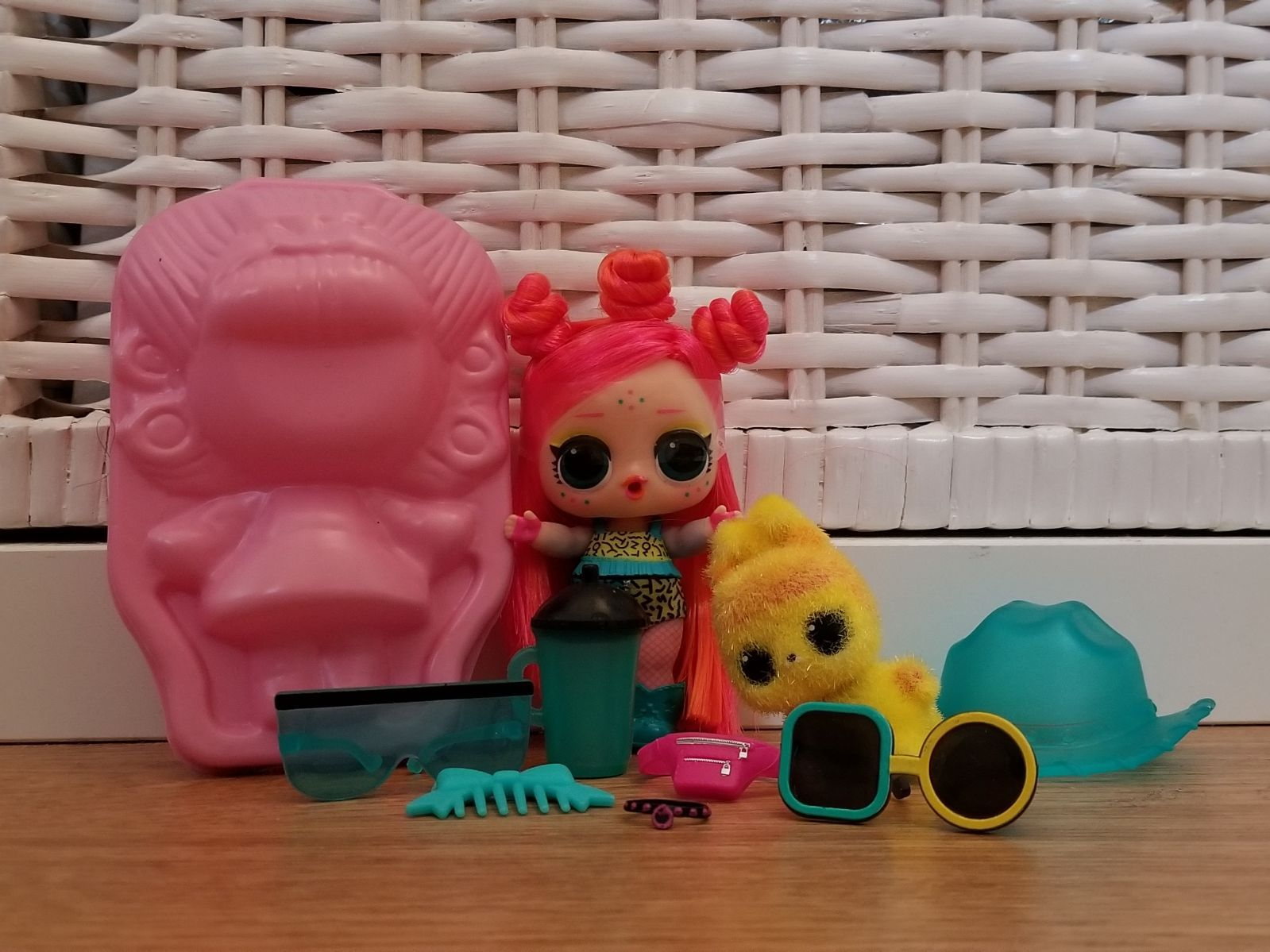 Lol Hairgoals Never Played With Edmbb And Still Fuzzy Edm Bun Lol Toys Shop Playset