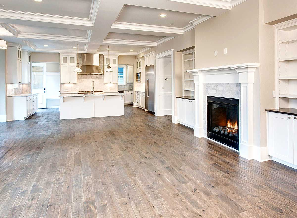6 Bedroom Beauty with Third Floor Game Room and Matching