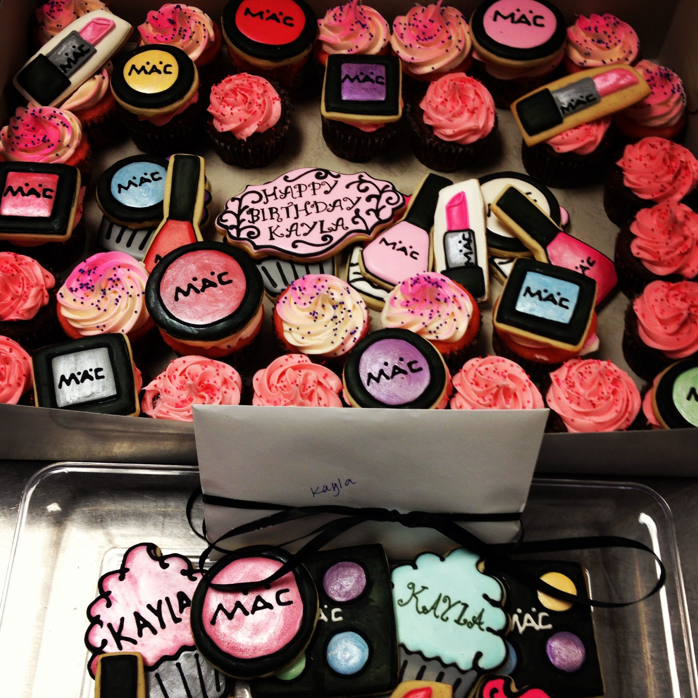 Mac cupcakes and cookies! Fashion cupcakes