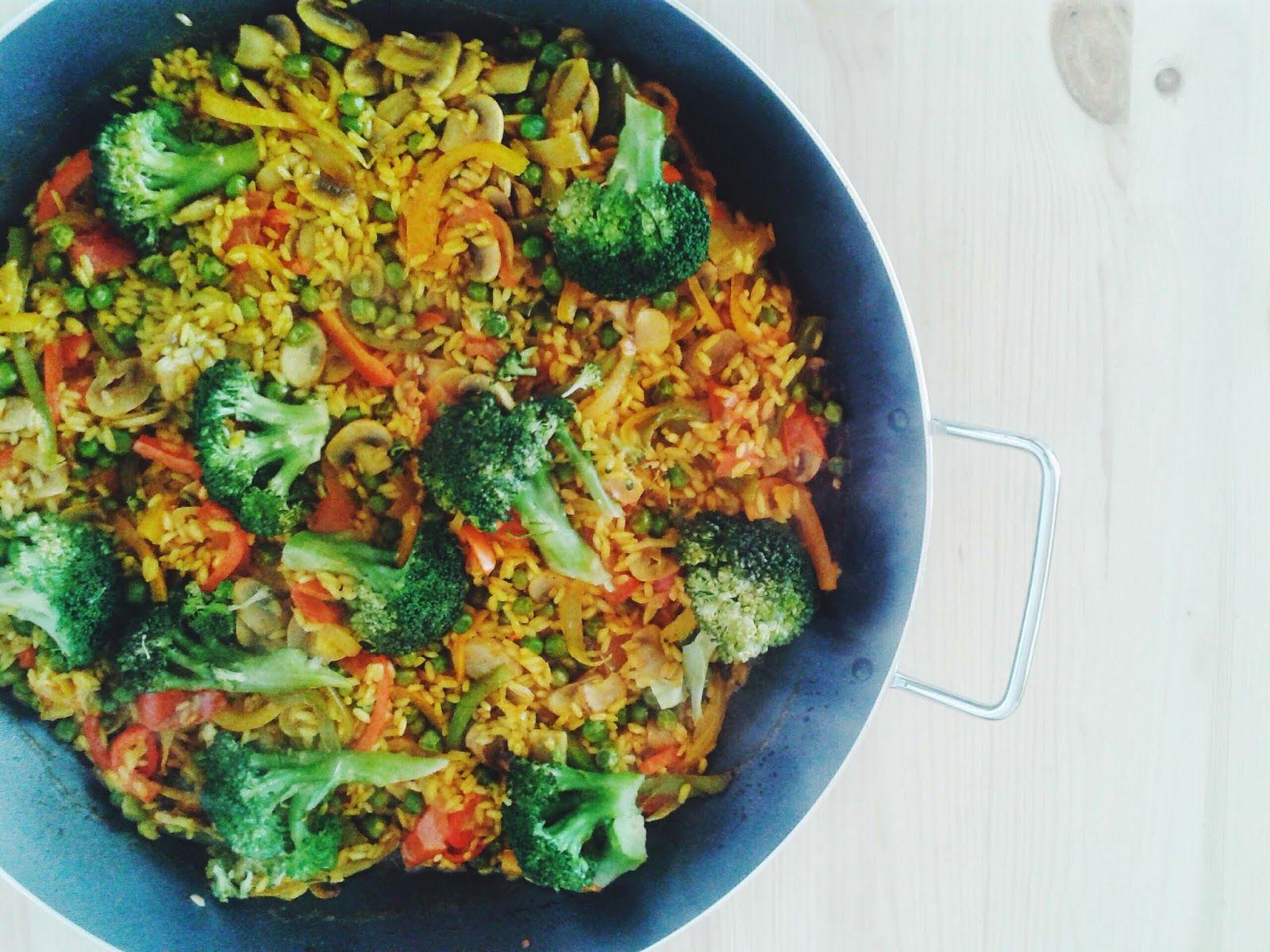 A cozinha verde spring vegetable paella meatless monday vegan recipes forumfinder Images