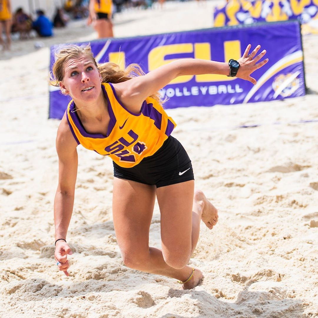 409 Likes 6 Comments Lsu Beach Volleyball Lsubeachvb On Instagram Happy Birthday Alexis Beach Volleyball Rules Beach Volleyball Volleyball Rules