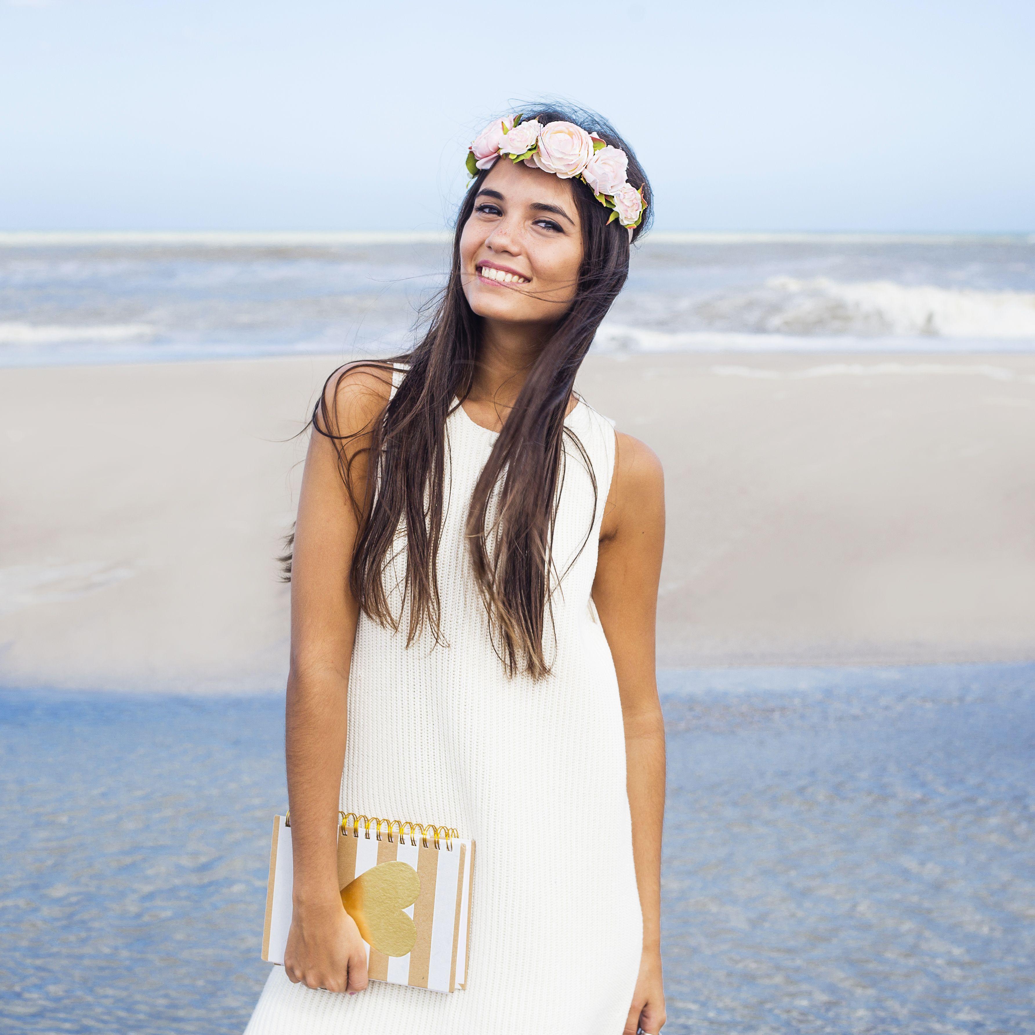 [ LOOK DEL DIA ] Modelo: @julietasoe  Ph. @lucarnevaleph  Styling: @petramartirena  Location: Costa Esmeralda  #SoydeGrecia #Fashion