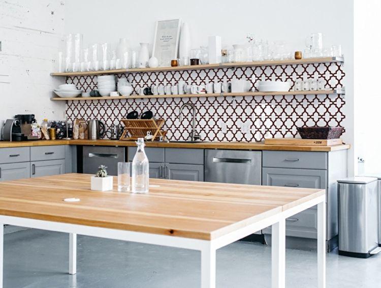 fantasievolle, frabige Motive für Küchenrückwand sind möglich ...