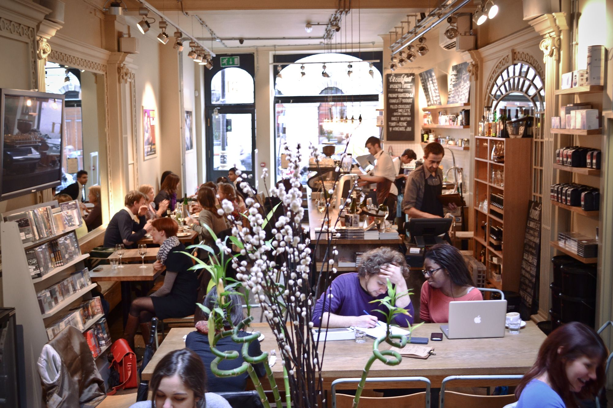 Notes Café in Covent Garden. Lovely cafe by day, wine bar