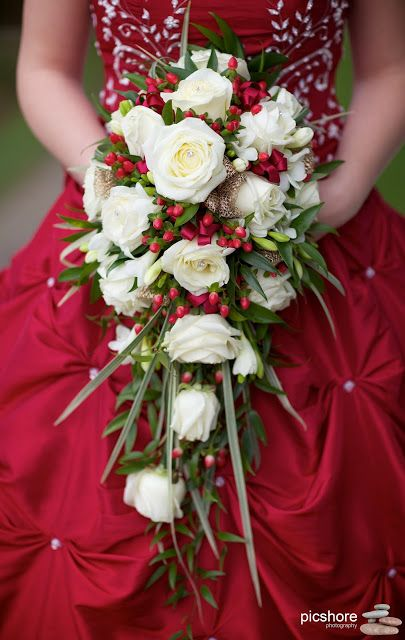 christmas wedding flowers, winter wedding ideas, Christmas wedding devon, red wedding dress, wedding photographer devon, Cornwall & Devon Wedding photography