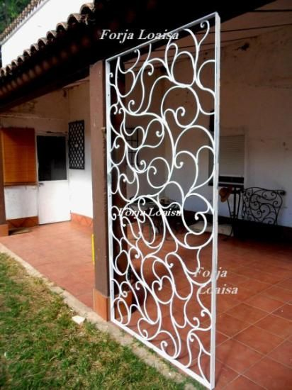 Rejas en vizcaya forja loaisa realizadas a medida for Puertas decorativas para interiores