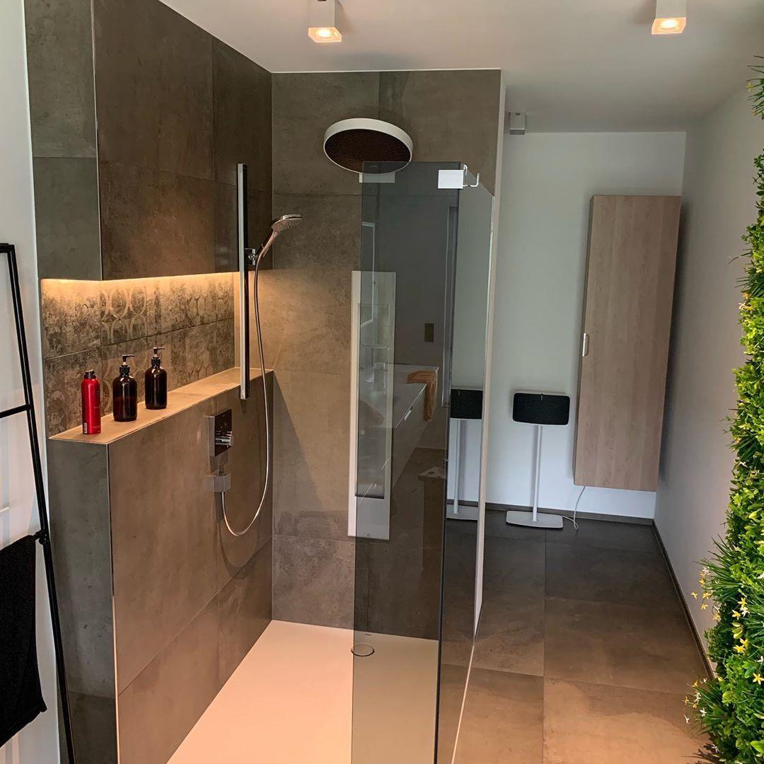 Hansgrohe Axor Sprinz Glas Axordesign Powderrain Bathroom Interiordesign Burgbad Hansgroheselectglass Hansgroheselect Fliesenwunschdarmstadt Geberit