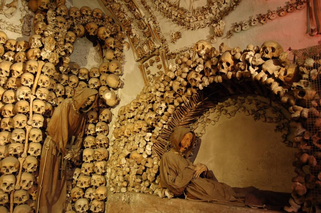 #Las Catacumbas De Los Monjes Capuchinos... # Palermo, (Sicilia, Italia) /// año 1599 ///