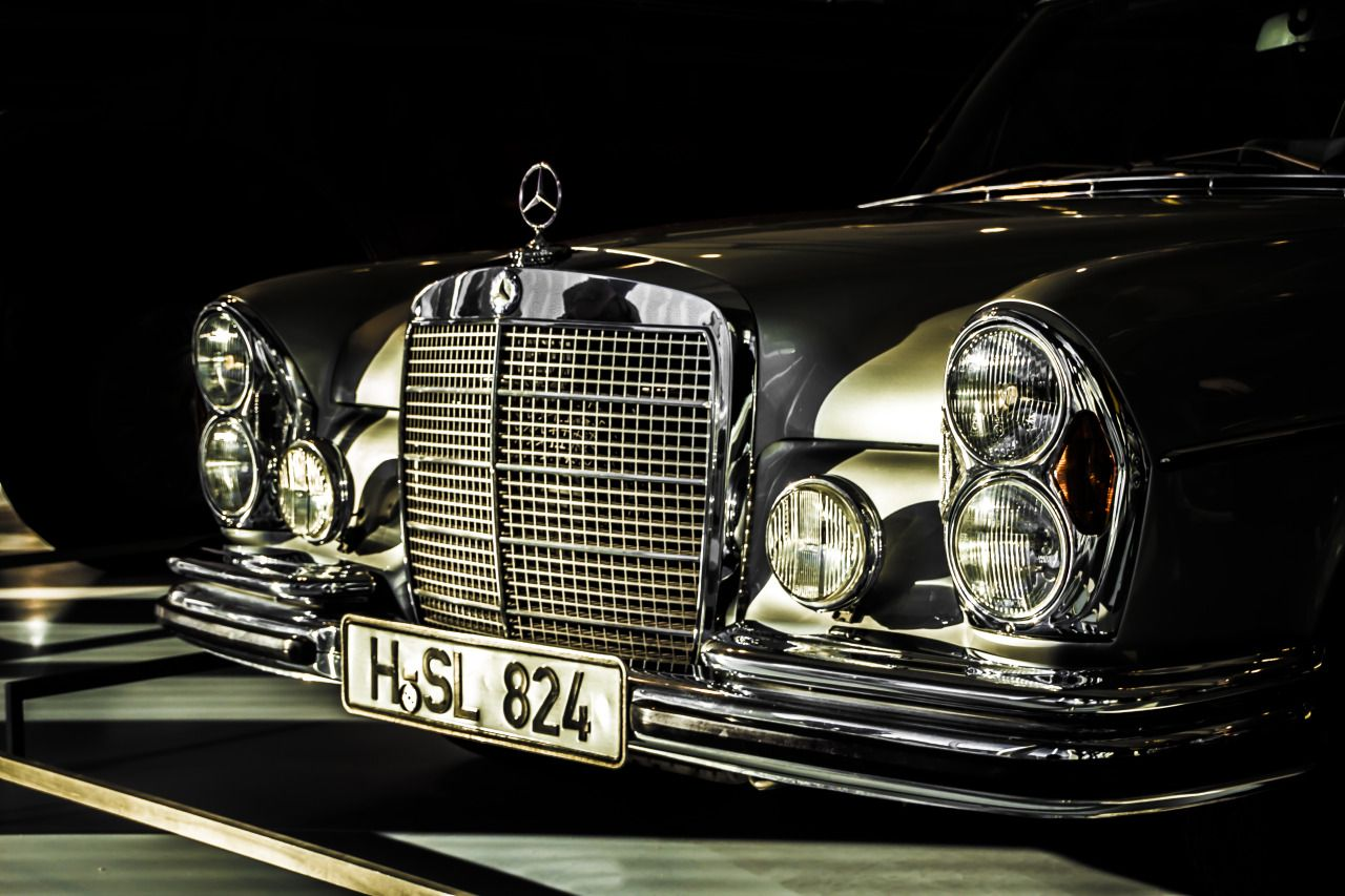 fast shiny objects - Mercedes-Benz W109 300 SEL 6.3