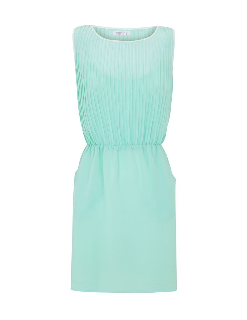 Light blue classy dress. Sophisticated summer.