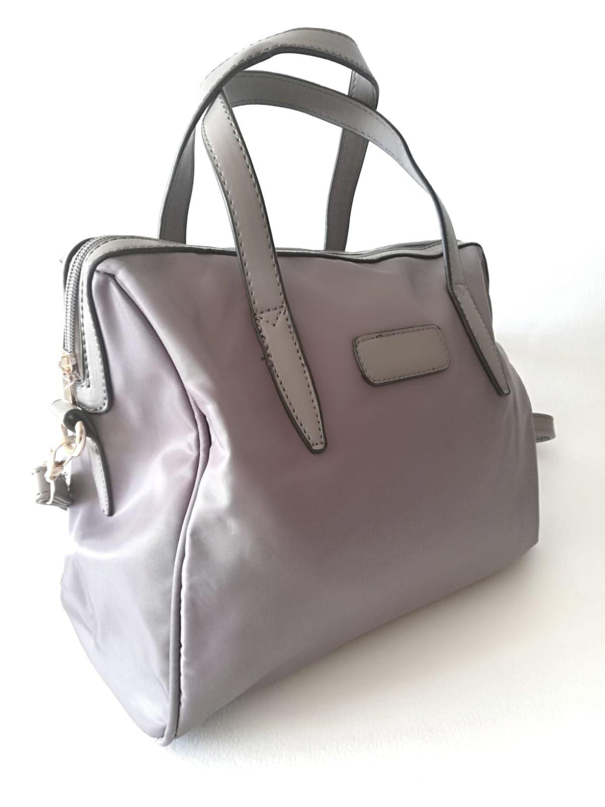 01ba10748 Bolso gris tela impermeableasas cortas y asa larga tendencia complementos