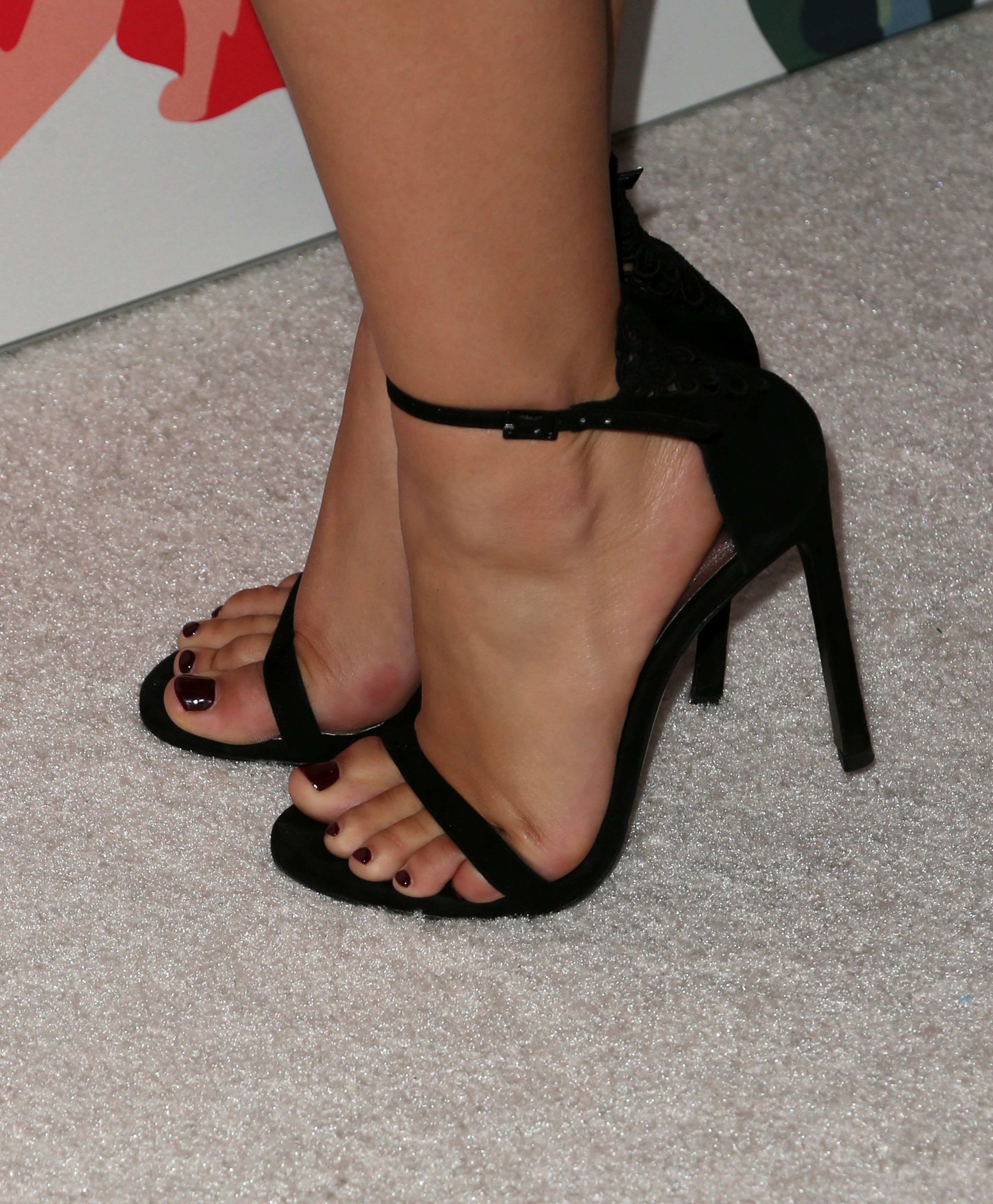 5c949ba84a8 Ariel Winter s Feet    wikiFeet
