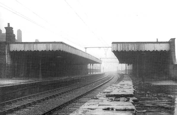 Shadwell  St. George's East Station, 1949. Closed 1940