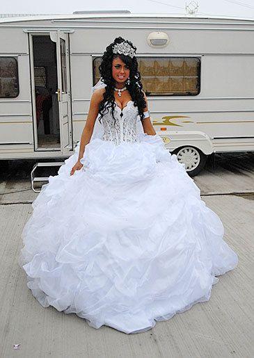 9253d80b4fa3b White Wedding Dresses, Gypsy Wedding Gowns, Gipsy Wedding, Big Fat Gypsy  Wedding,