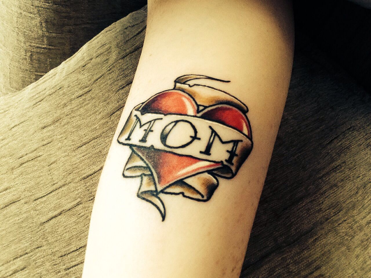 20+ Stunning Traditional heart tattoo with banner image ideas