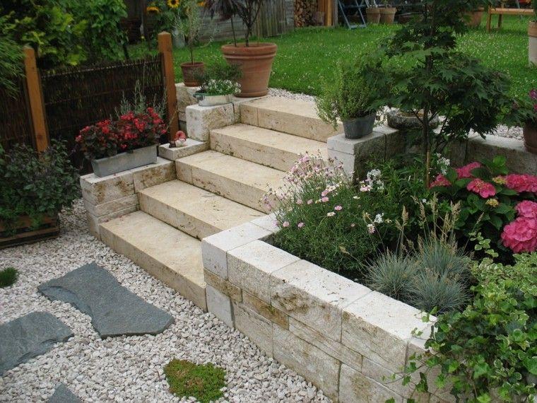Jard n con escalera cesped y muro bajo ideas para el hogar pinterest c sped escalera y - Escaleras jardin ...