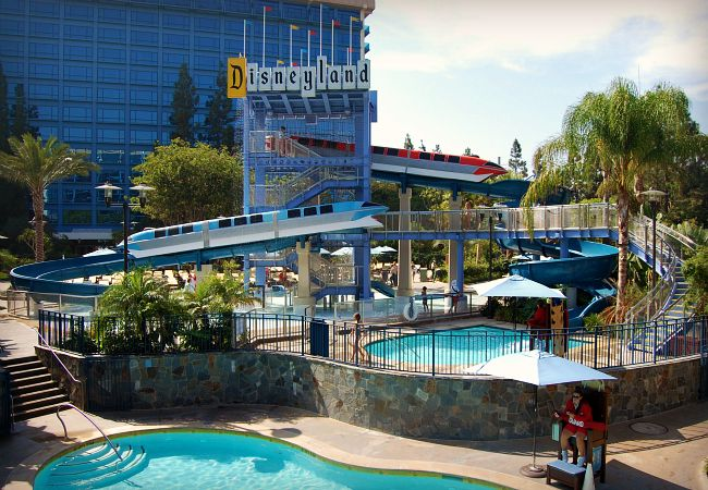 Disneyland Hotel A Review In Pictures
