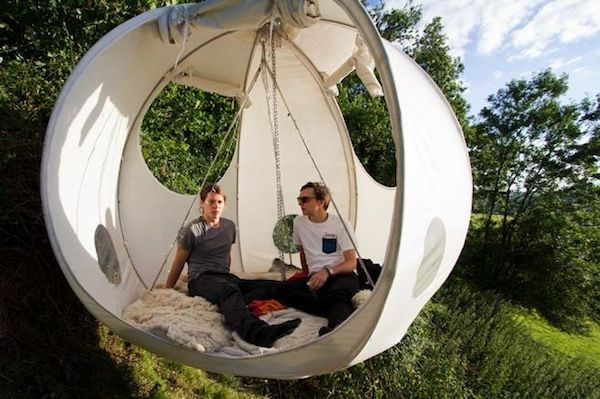 Lovely Round Tents That Hang On Trees Let You C& Out In Style . & Lovely Round Tents That Hang On Trees Let You Camp Out In Style ...