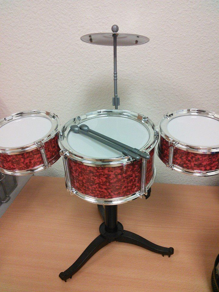 It's Candid Friday time again! What have we got going on at the office....ah, here's our handy dandy mini drum set. We use it mainly for when someone cracks a really bad....err.....corny joke in the office. They get an on cue *badum tsssss* response every time! No really, we get A LOT of corny jokes here. #GISCandidFridays #candid #drums #badjokes #justanothernormalFriday #GIS