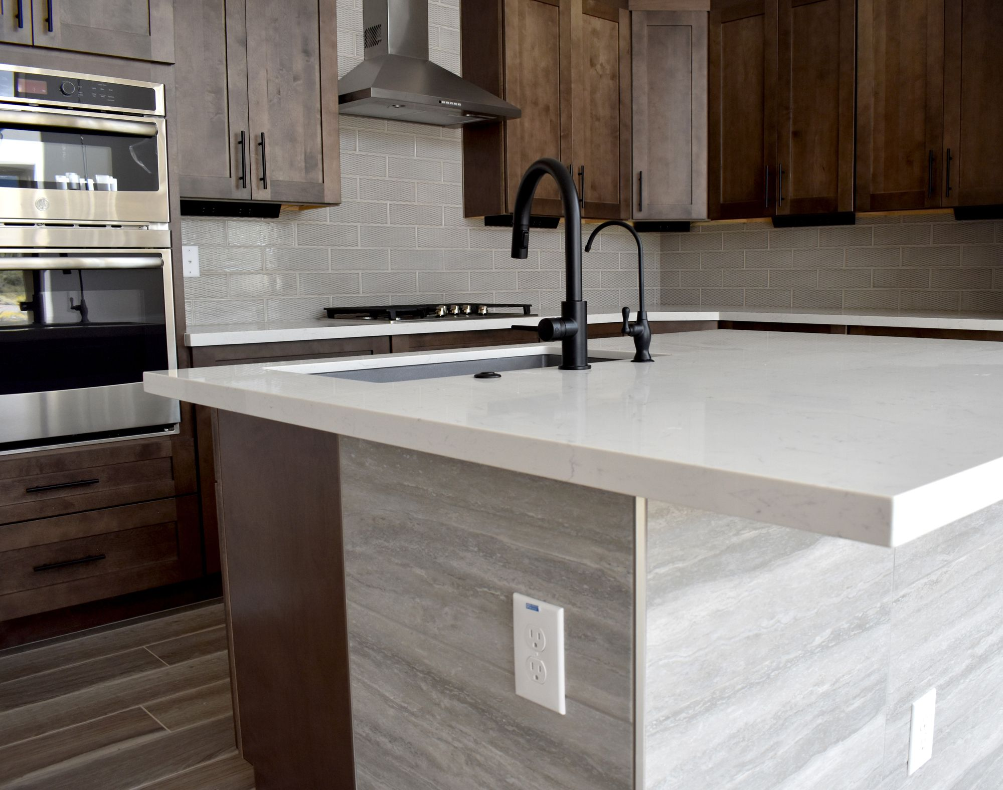 Rustic Kitchen With Ash Wood Cabinets And Quartz Countertops In 2020 Quartz Countertops Design Your Dream House White Quartz Countertop