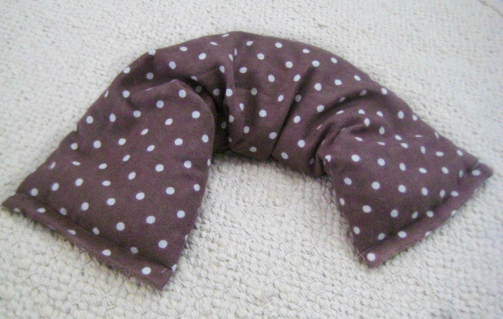 Little and lovely diy therapeutic neck pillows ideas pinterest