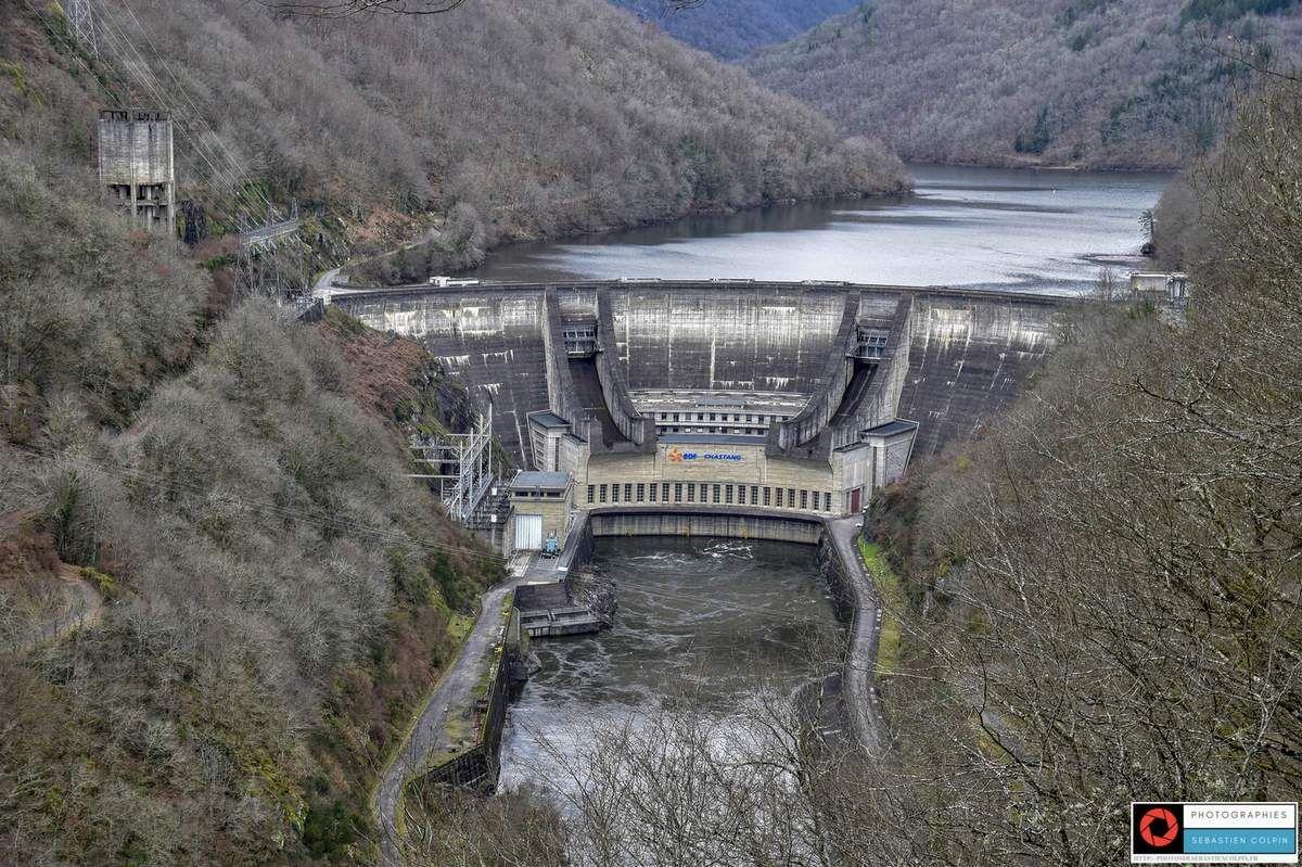 Barrage Hydroelectrique Du Chastang A Servieres Le Chateau En Correze Les Photos De Sebastien Colpin Correze Hydroelectrique Dordogne