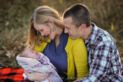 Chilly fall family session by Tulsa Photographer Chelsea Ahlgrim