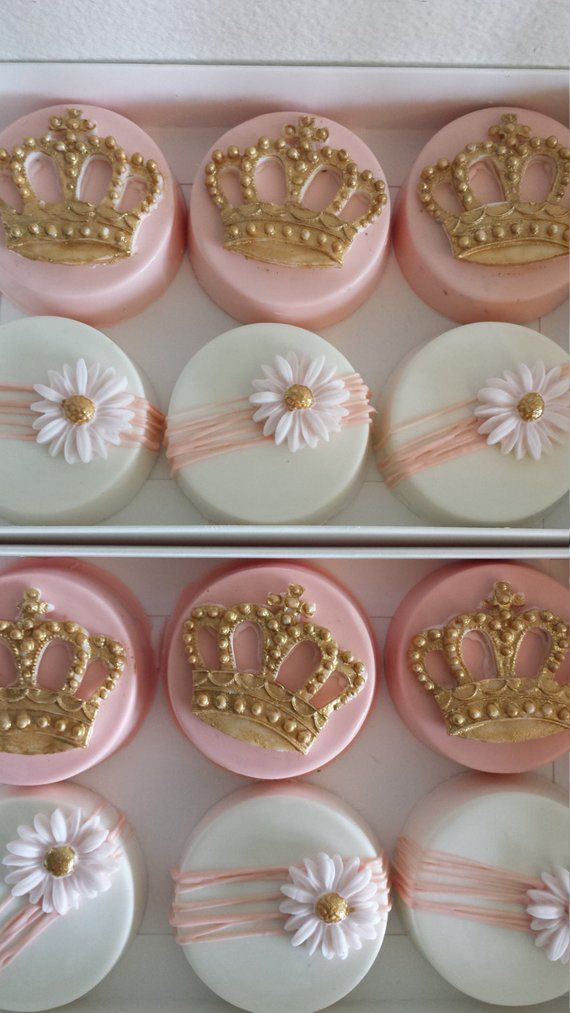 Princess Oreos, princess chocolate covered oreos, pink and gold oreos, baby shower oreos, birthday oreos